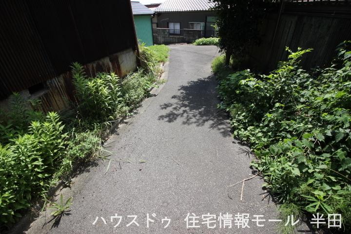 ファミリーマート半田生見町店