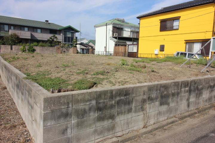 【外観写真】 常滑市新田町 土地面積:57.77坪 接道 南側約4m