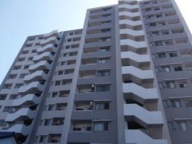 【外観写真】 2004年築の築浅マンションです。