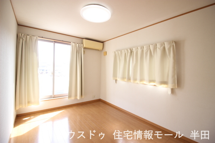 2階洋室です 窓も2か所あり換気もしっかりできます