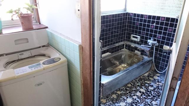 室内に洗濯機を設置できます。