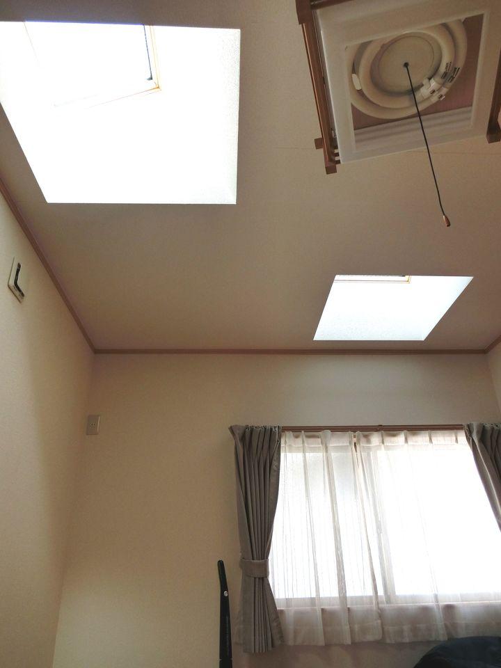 北側7.5帖洋室には2か所のトップライトを設置し、 明るさを確保しました。 2か所のクローゼットで収納力にもきっとご満足頂けます!!