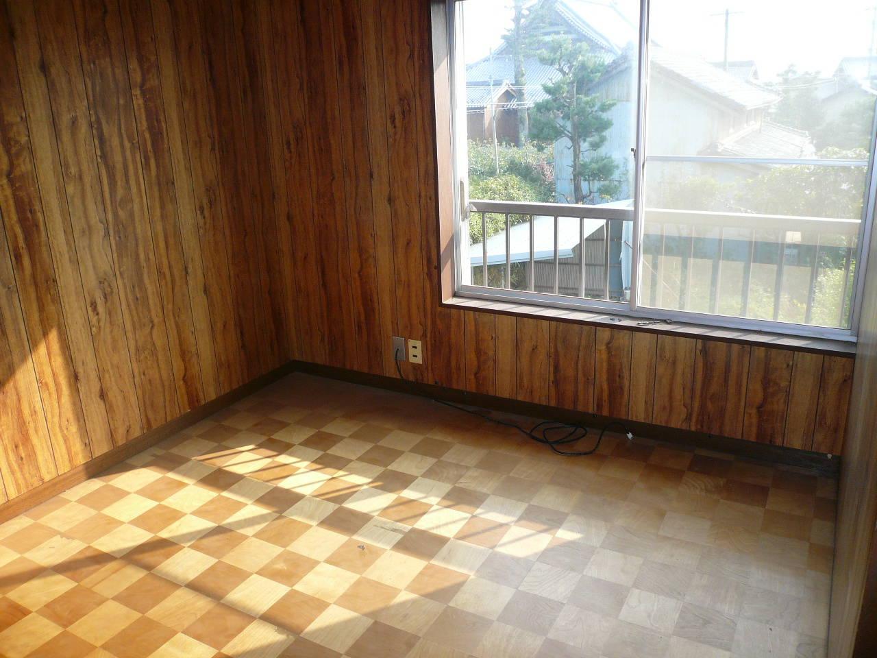2階洋室。南向きのお部屋です。