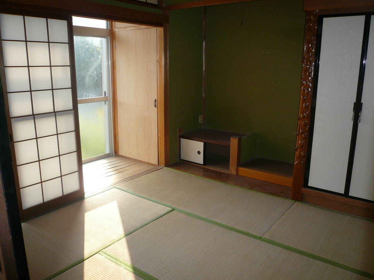 和室も南側に面しているので日当たり良好ですね。