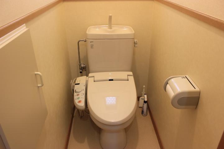 落ち着いた空間のトイレです