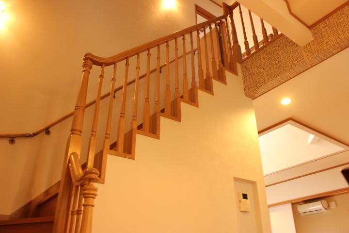 木の温もりがオシャレな階段