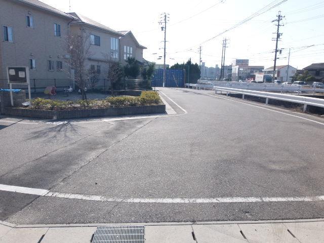 西側 公道 約6m