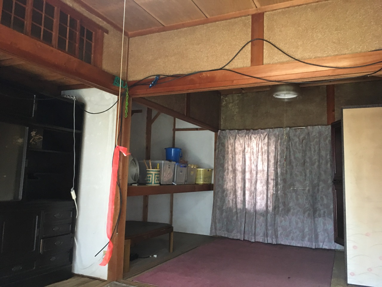 床の間と板の間がある昔ながらの和室は、落ち着きを感じそうですね
