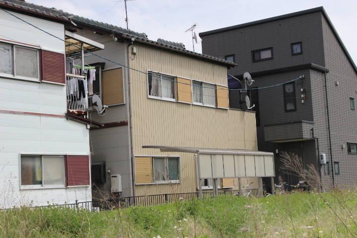西から撮影した写真になります! 真ん中のお家です!