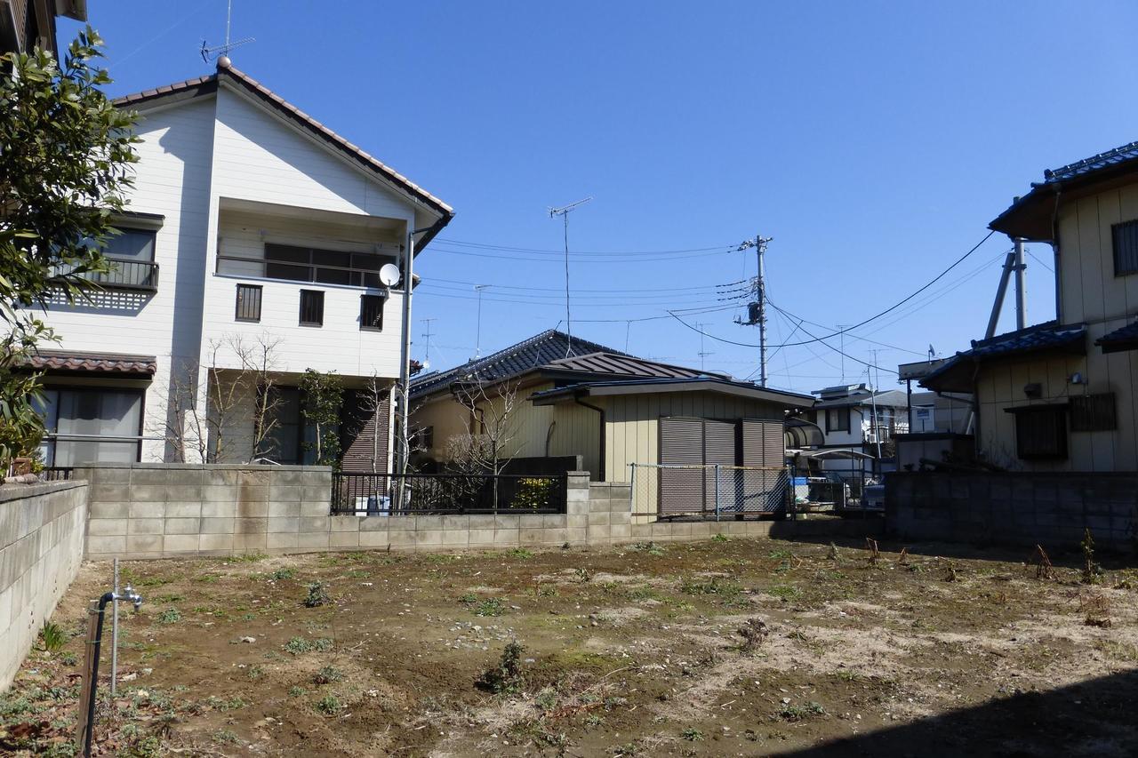 久喜市本町3丁目 売り土地です。建築条件はありません。