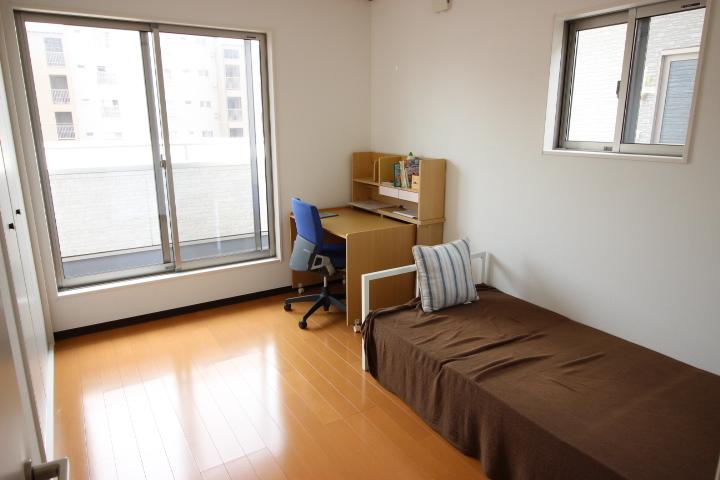 6畳洋室  日当たりがよく明るい居室です お子様部屋としても最適です