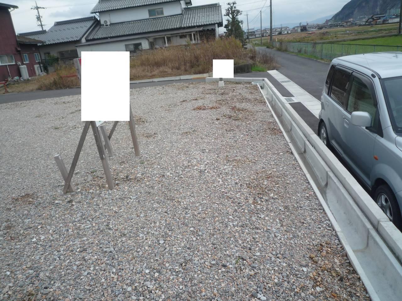 物件西側境界線 北から南方向に撮影