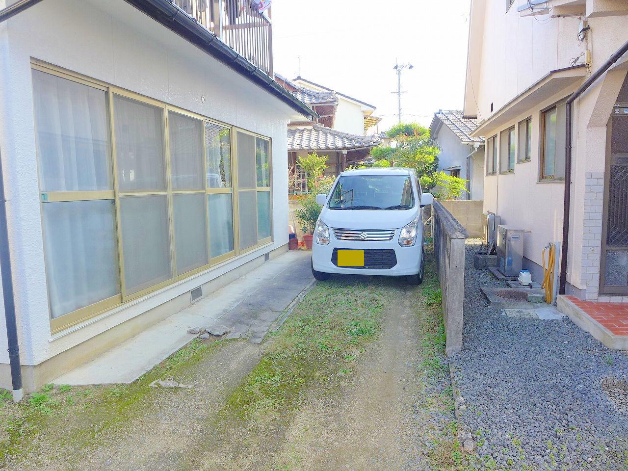 南側にお庭があります♪駐車2台可です♪。
