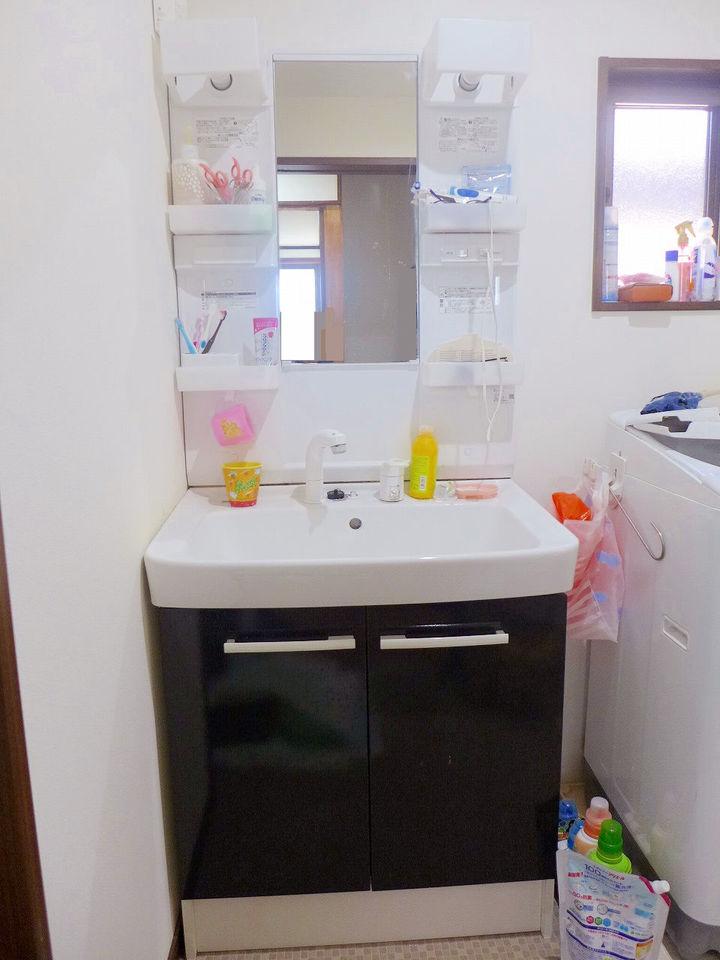 忙しい朝も安心♪。洗髪もできる洗面台♪。
