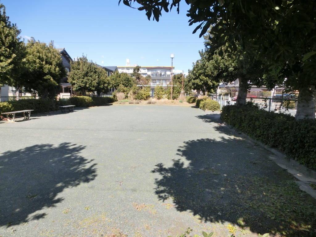 【公園】南栄住宅遊園まで徒歩2分(160m)