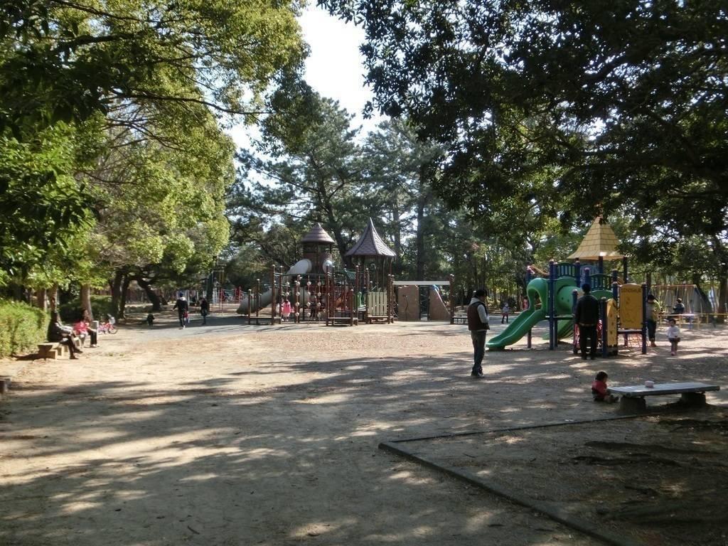 【公園】高師緑地まで徒歩6分(450m)