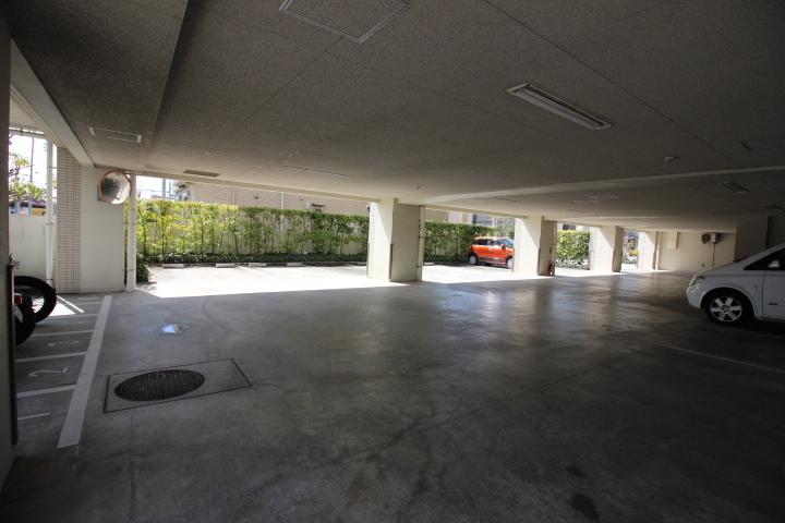 敷地内駐車スペース。