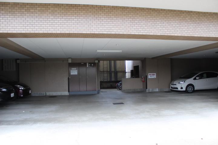 駐車スペース完備!