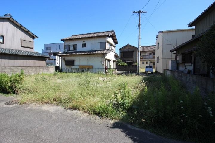 名鉄常滑線 寺本駅まで徒歩7分 名古屋方面への通勤や通学も好アクセス。