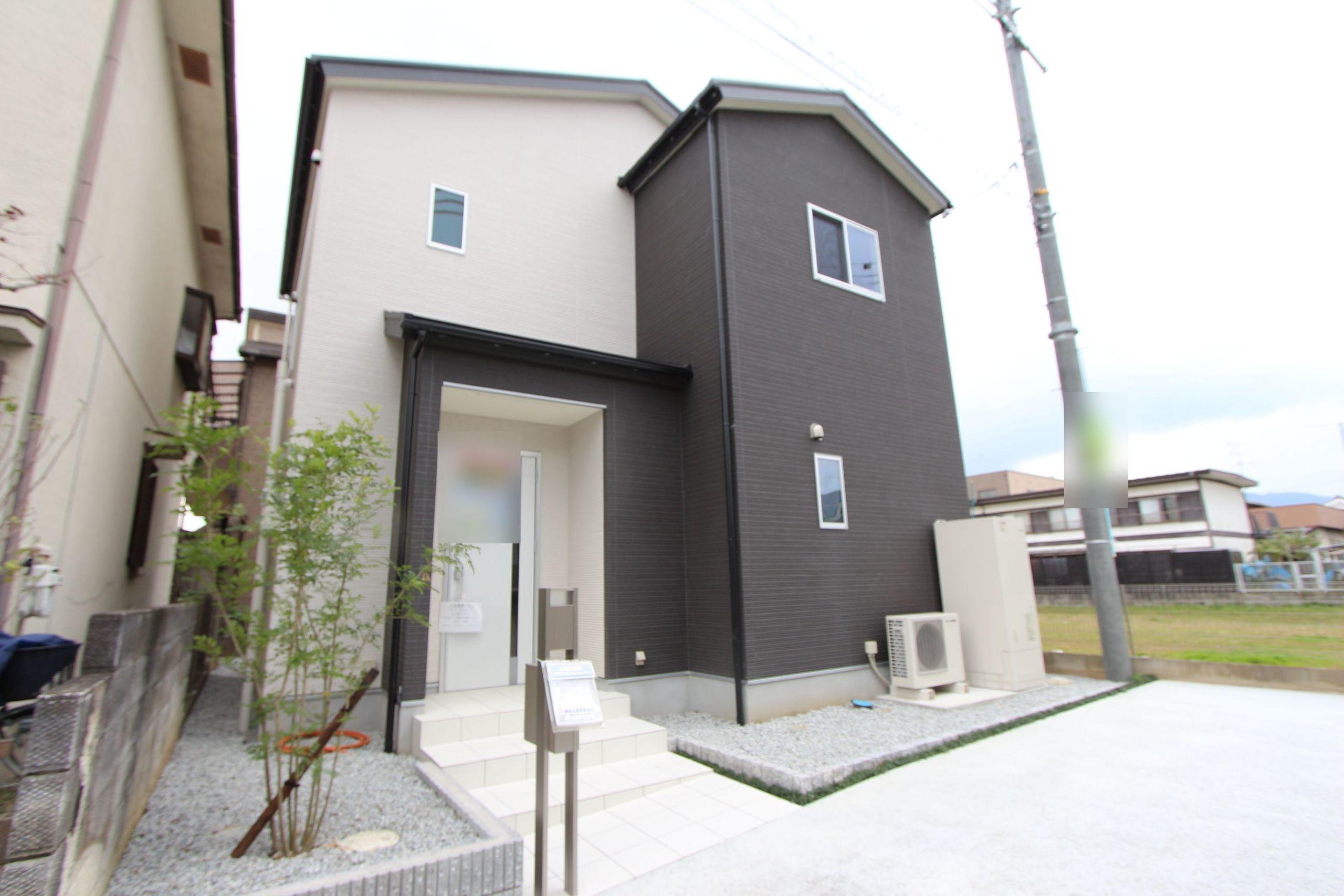 【外観写真】 平成27年10月完成の未入居物件です。 月々4万円台のお支払いで購入して頂けます。