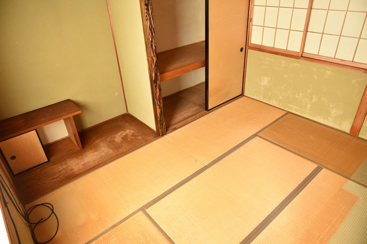落ち着く雰囲気の和室!押入もついています♪