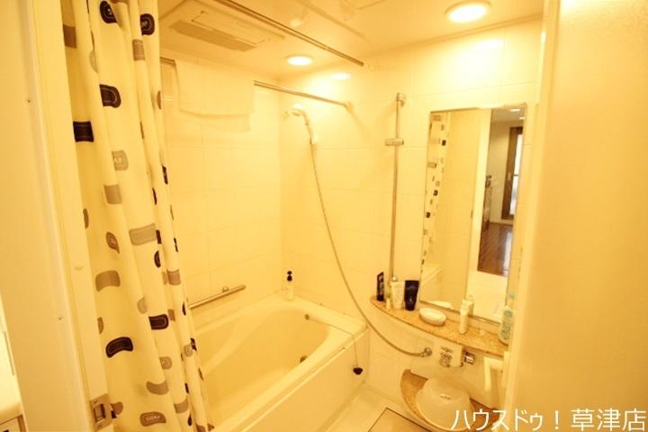 一日の疲れを心地よく癒してくれる浴室には乾燥暖房機がついており雨の日に大活躍。冬の億劫なバスタイムも温かく楽しくなりそうですね。