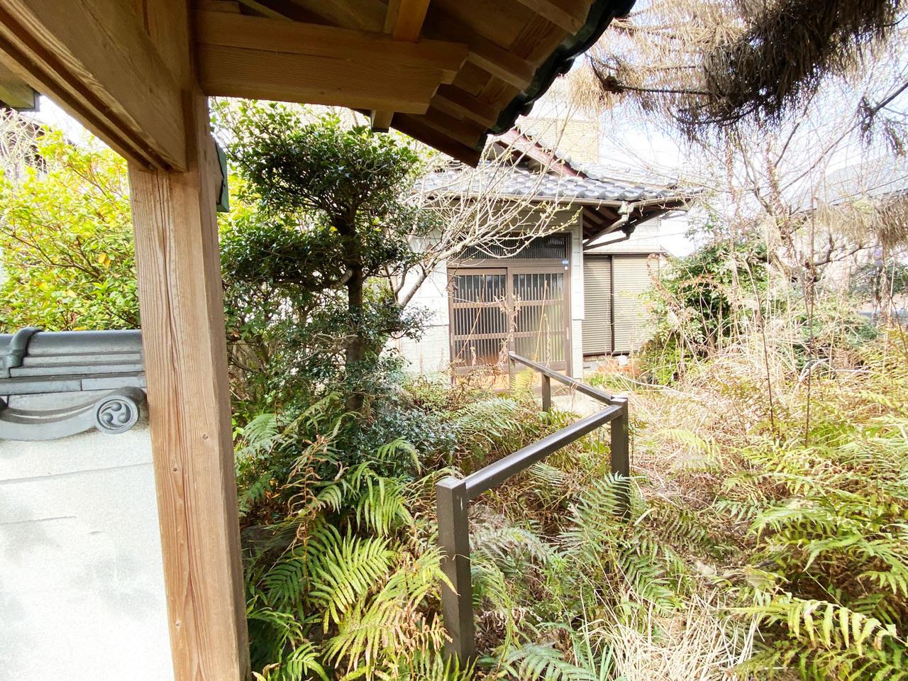 ◆小倉南区横代葉山 戸建て♪ 大事なお車が汚れないシャッター車庫♪