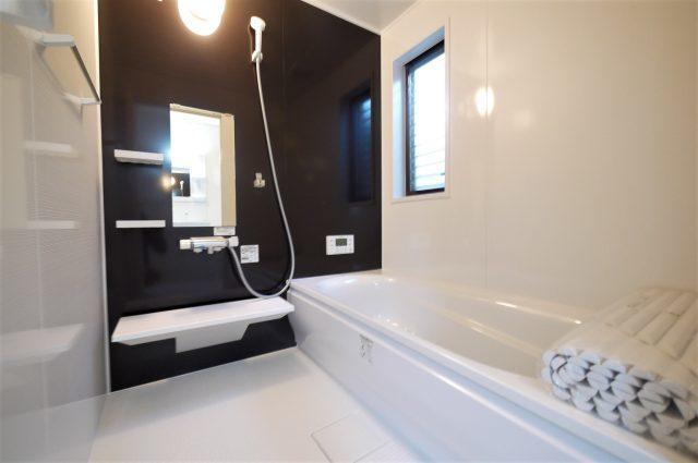 浴室◆北九州市小倉南区舞ヶ丘・南西角地のオール電化4LDK戸建て住宅♪カーポート付き♪