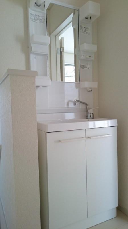 2階にも洗面台!忙しい朝に込み合うことがないので安心です。