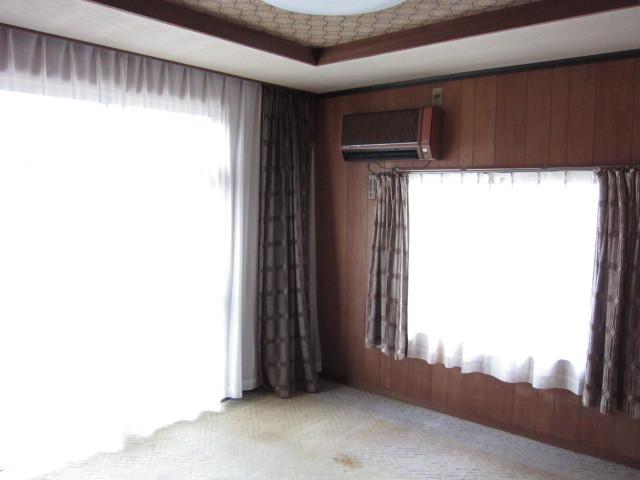 洋室は一階、二階ともに二面採光♪
