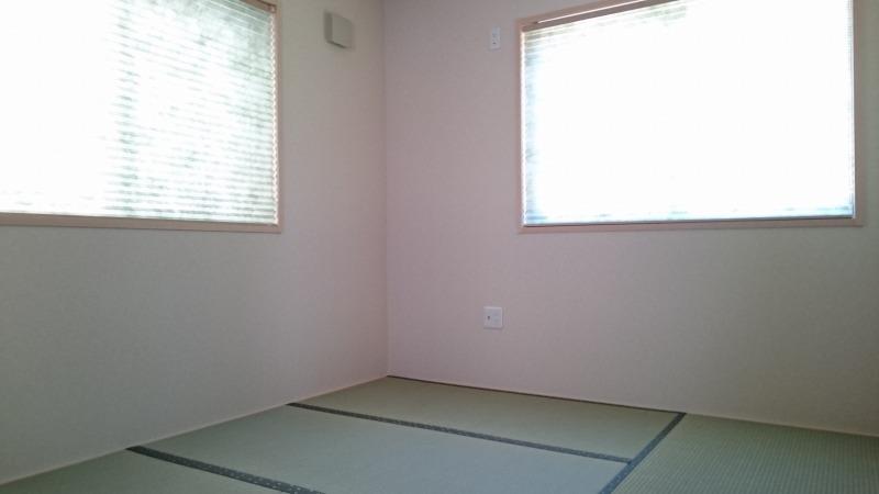 リビングに併設された和室は、家事スペースにも来客用としても多様に活用いただけます