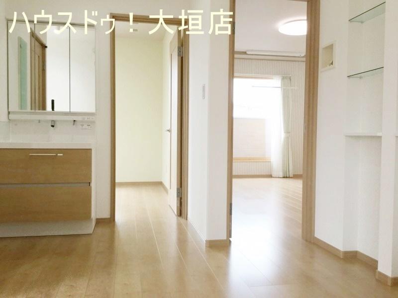 2階にも洗面台があるので便利♪  2016/09/12 撮影