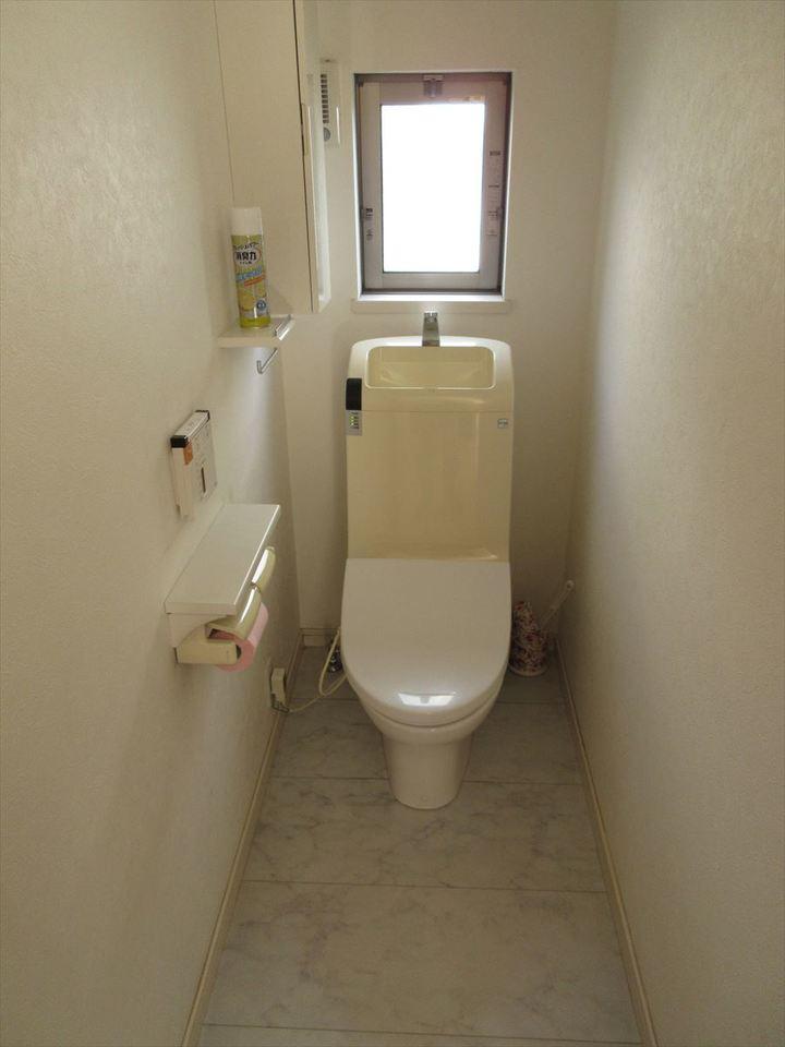 二階にもトイレがあります。