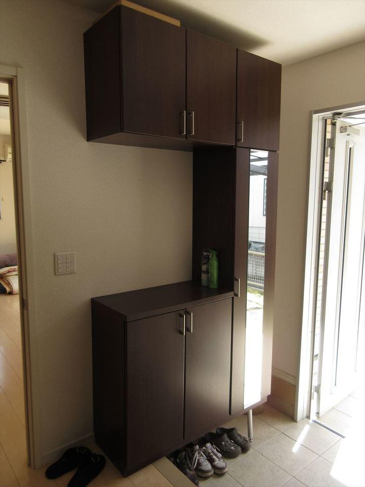 収納スペース充分な玄関。全身鏡もございますのでお出掛け前の身だしなみチェックもできます◎