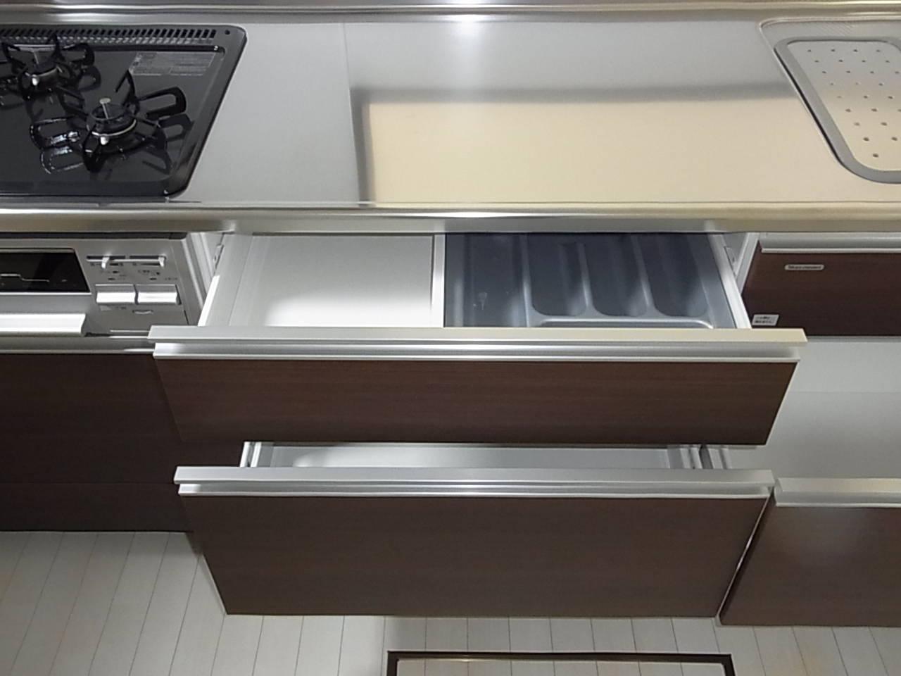 片付けのしやすいキッチン下の収納