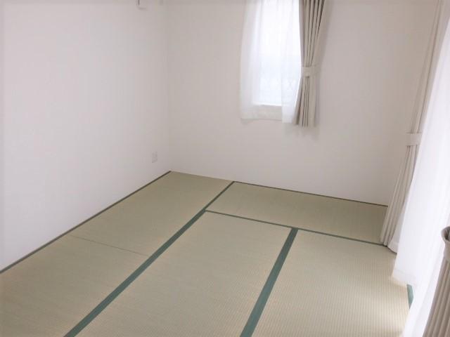 独立型の和室 客間として、キッズルームとして、用途は様々です とても明るいお部屋です