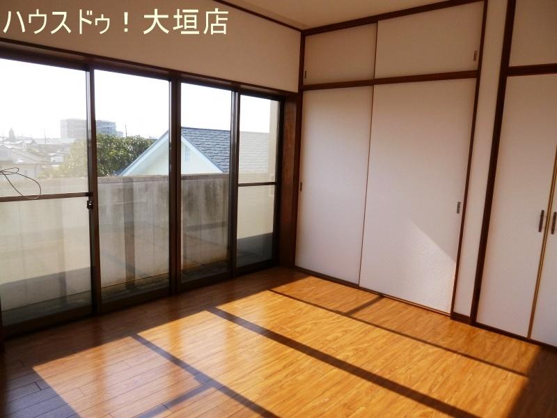 南側2室には独立したバルコニー。洗濯も一気に干せます。