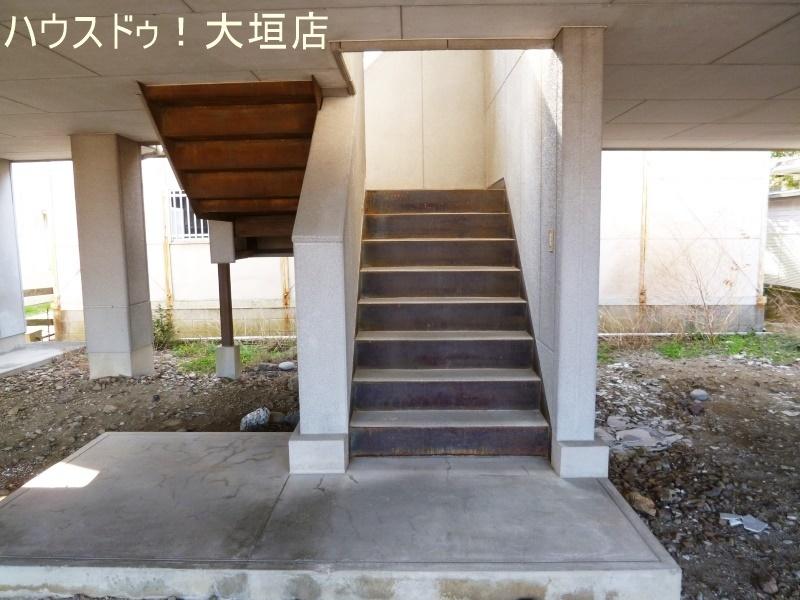 住居は2階3階になります。