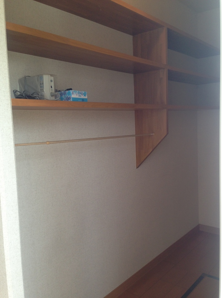 キッチン部の奥には、パントリーがあります。