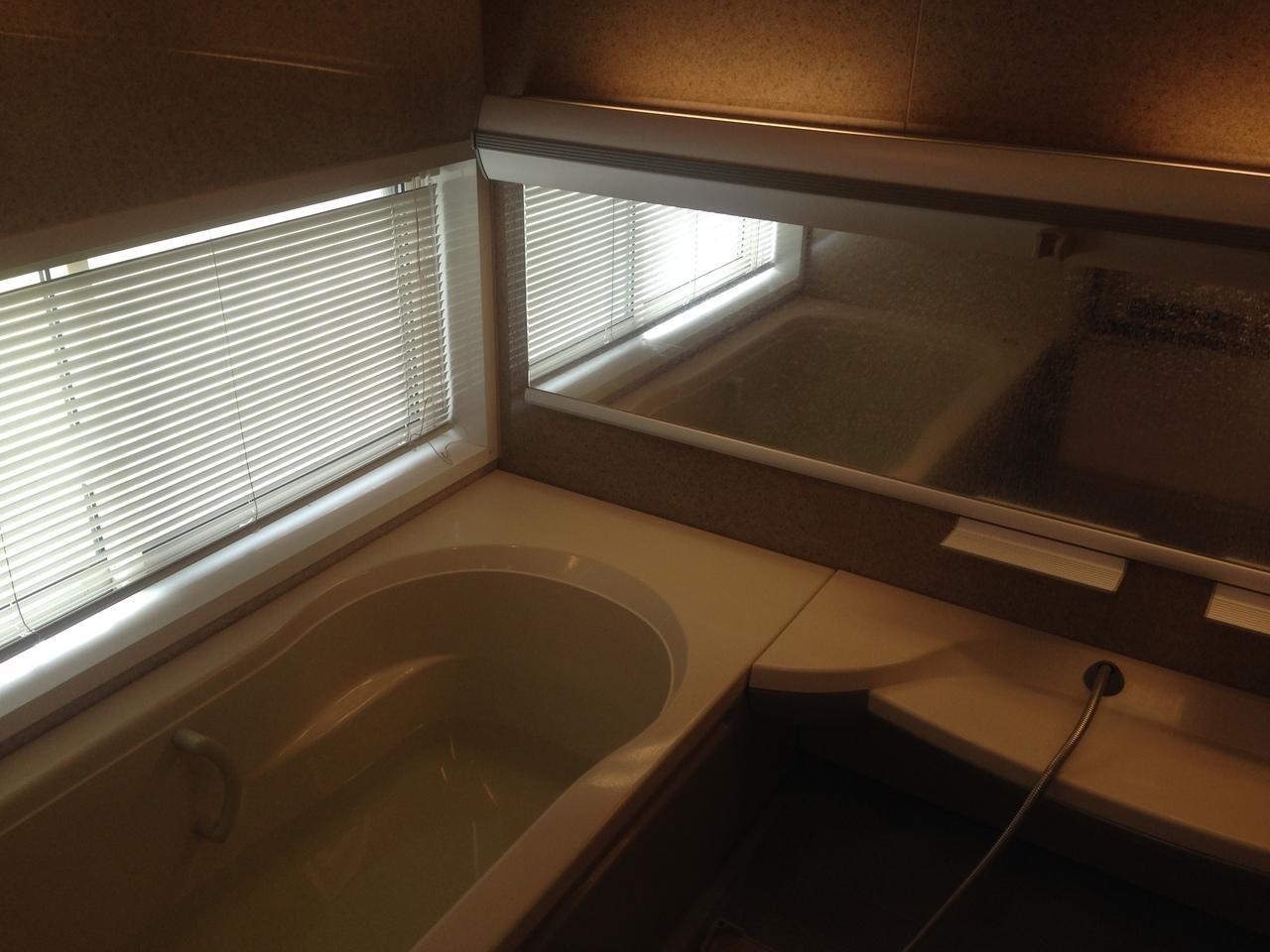浴室は、落ち着いた仕様となっています。