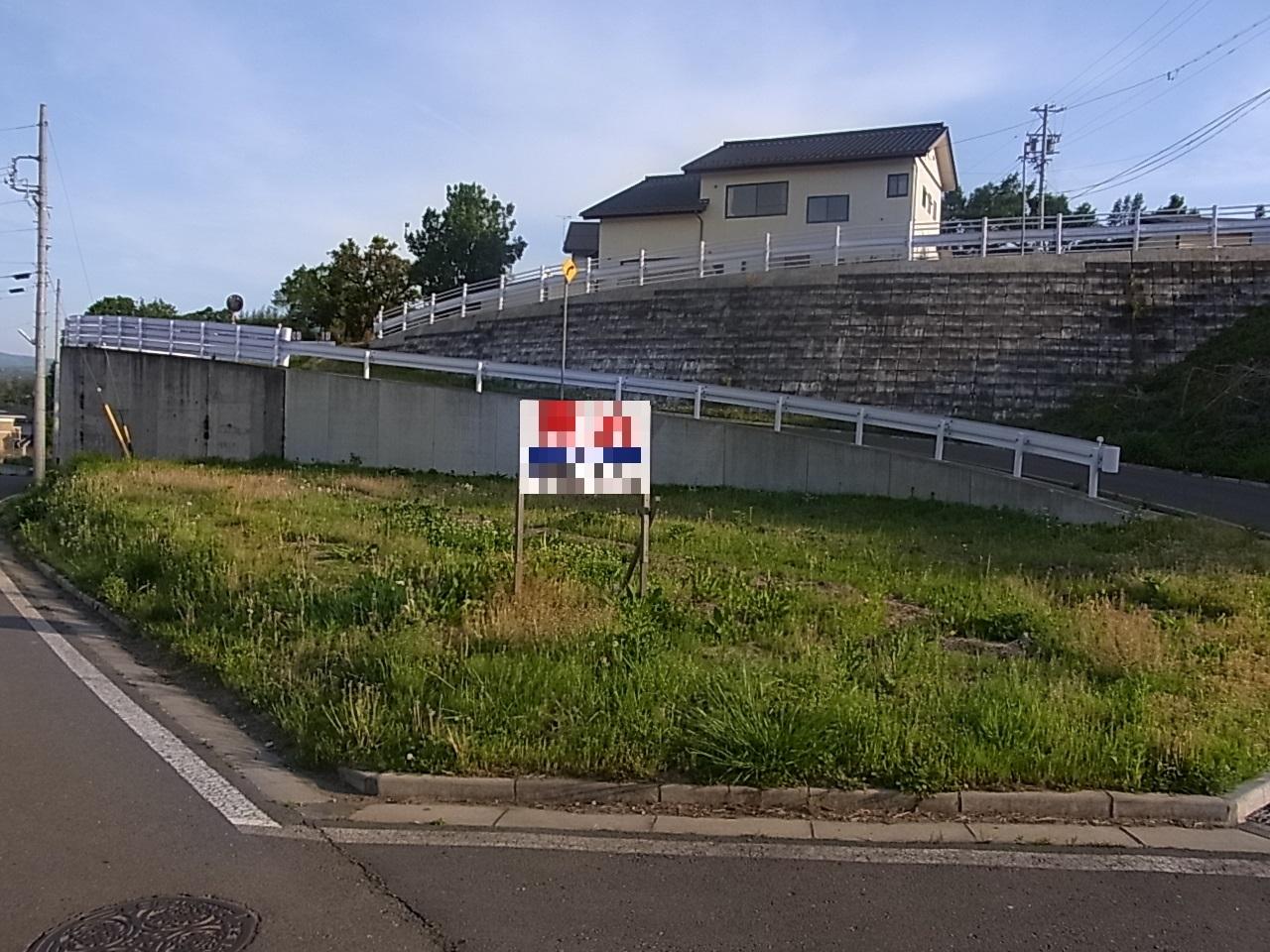 【外観写真】 三方道路の独立した土地です