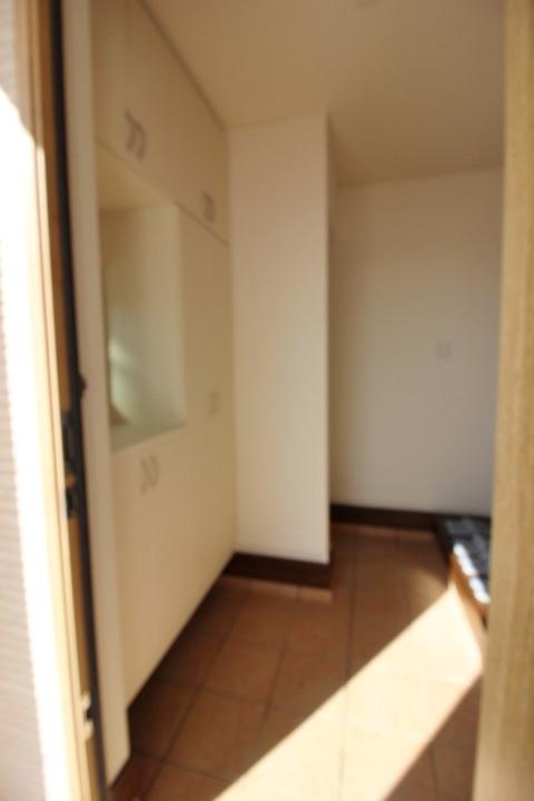 玄関収納の他に シューズインクロークがあります。