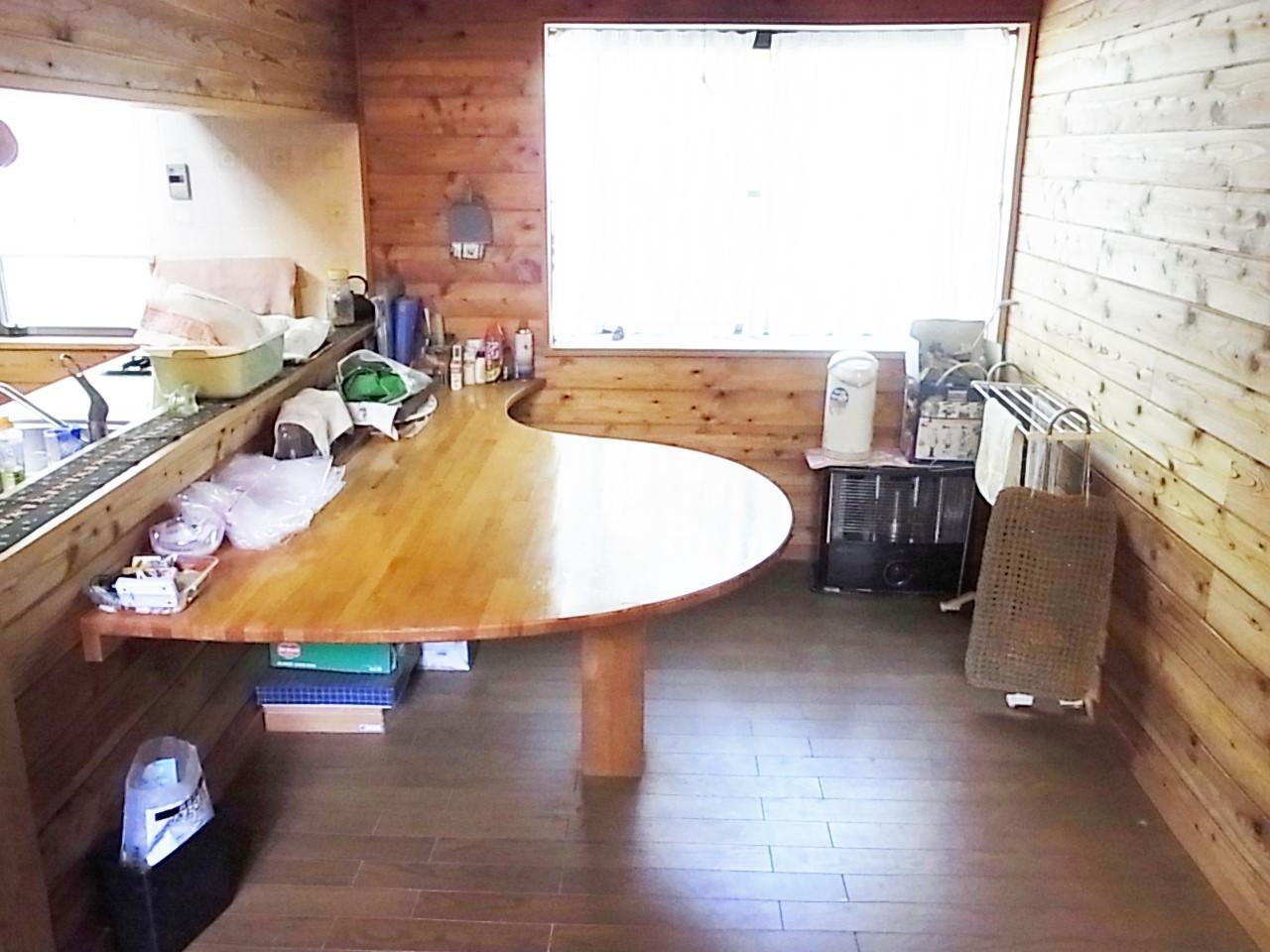 オリジナルの木製テーブル