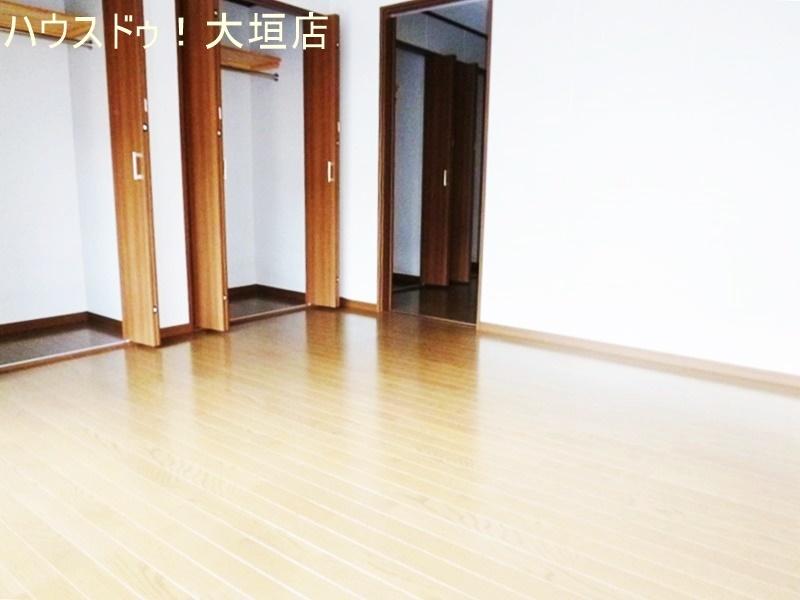 1階の洋室には3つのクローゼット。出しっぱなしのないスッキリとしたお部屋に。