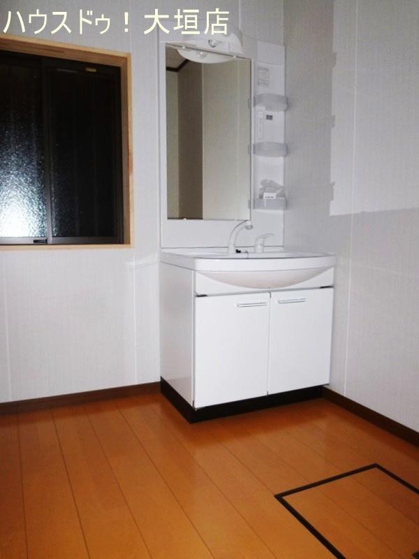 洗面台も交換済。
