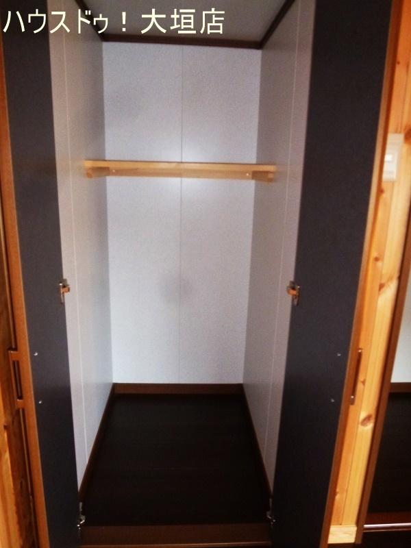 2階の洋室には2ヶ所にクローゼットがあります。