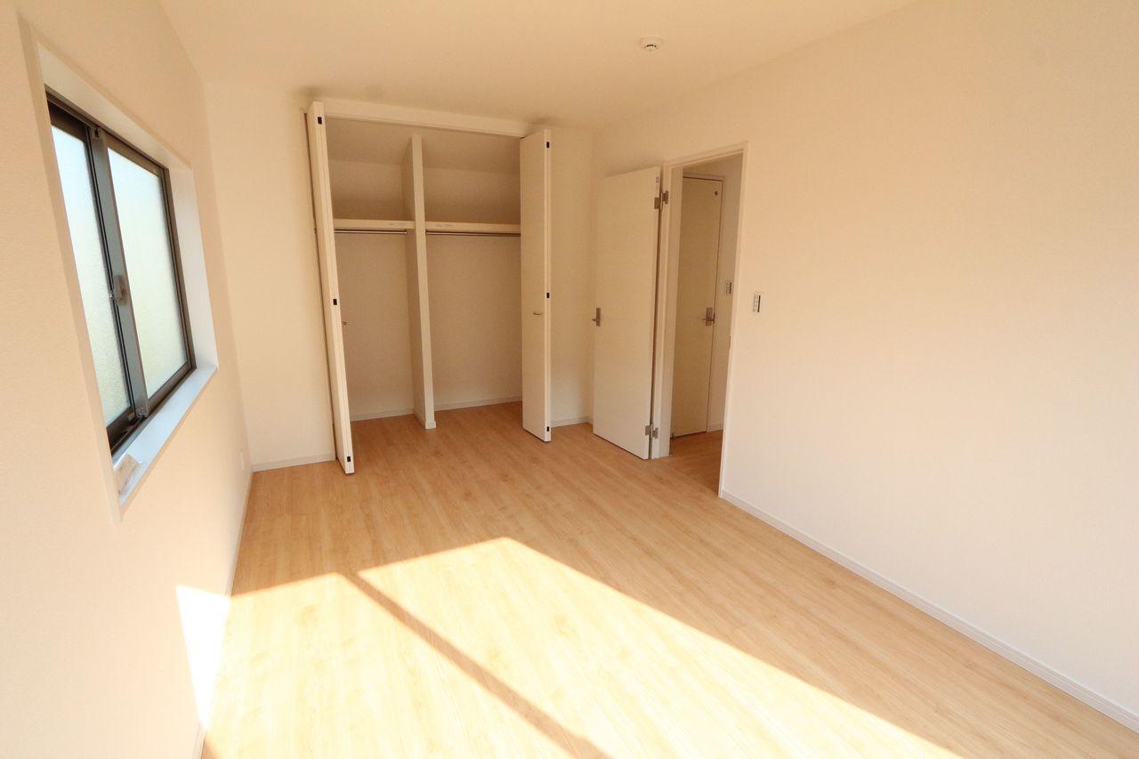 全居室収納スペースを完備。