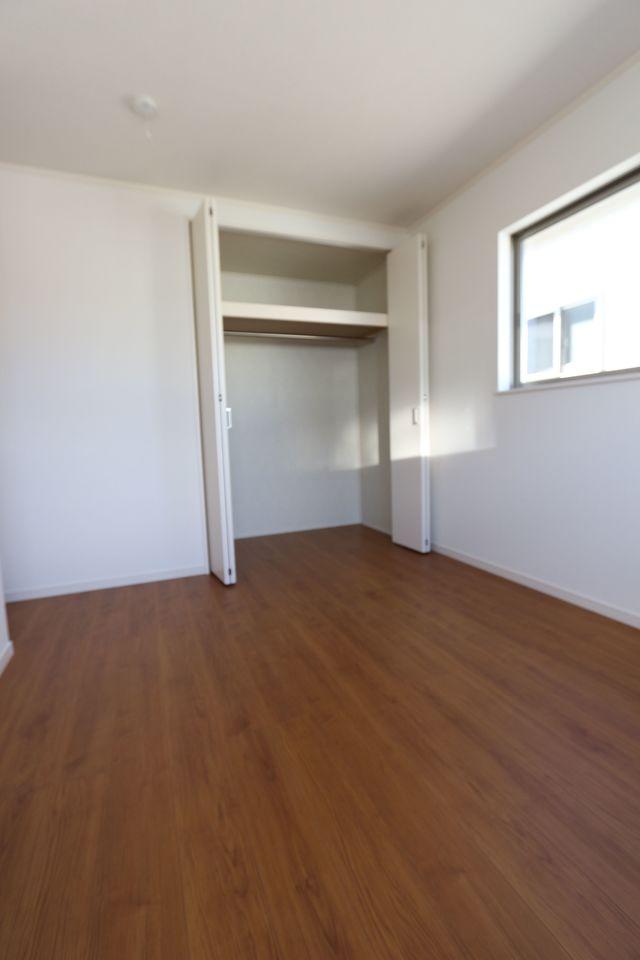 2階洋室は全室クローゼット完備。
