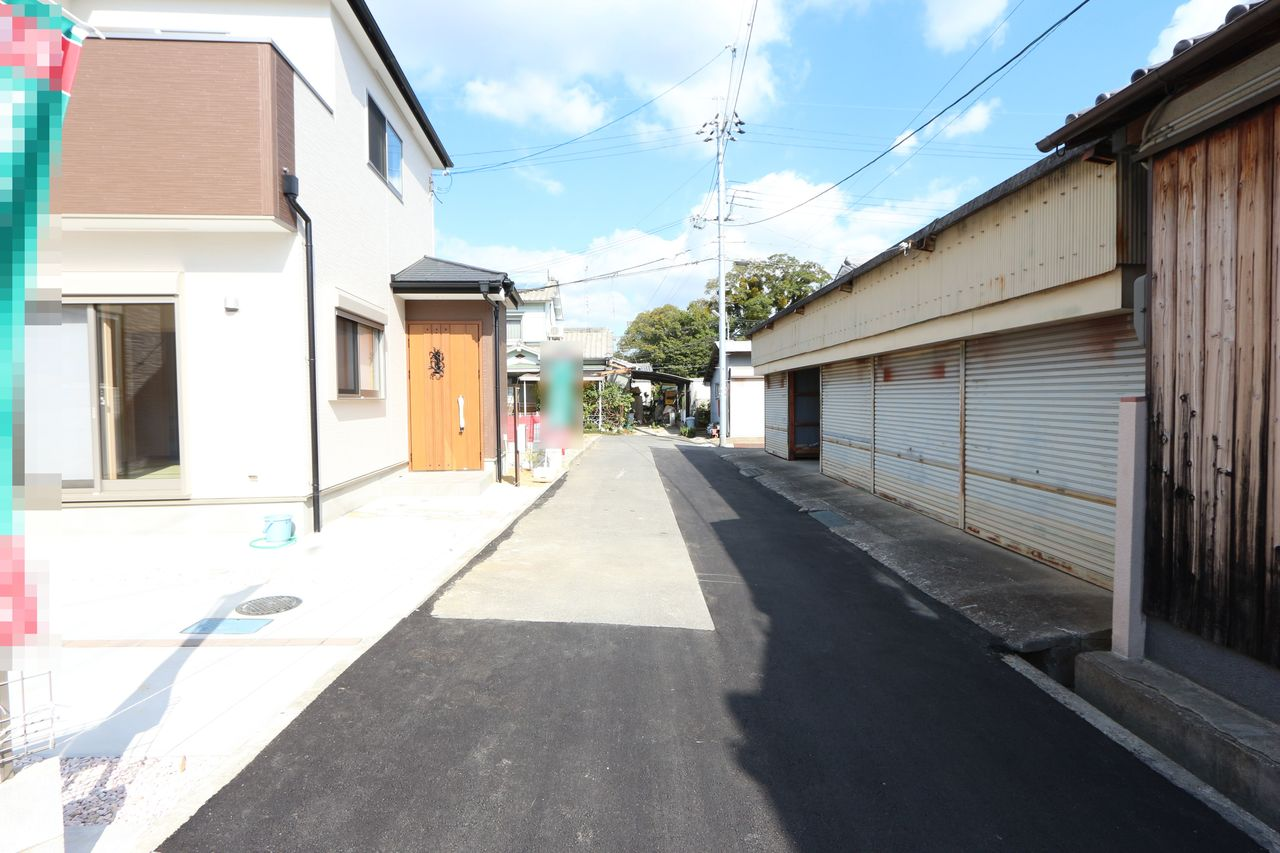 車通りが少なく静かな立地。