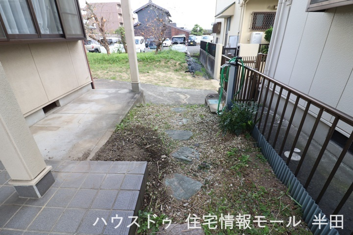 大垣共立銀行コンビニプラザ半田店